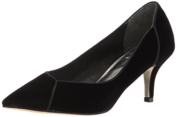 Black velvet pumps from Amazon